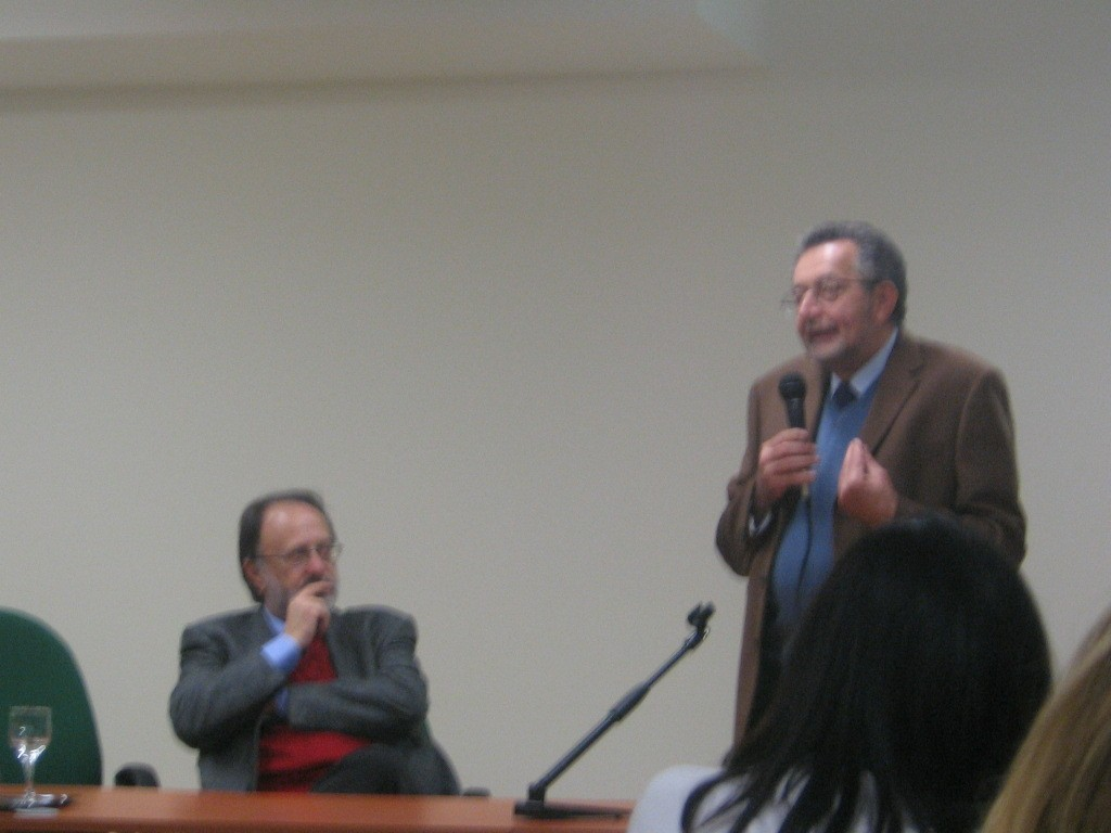 Presentazione                                                                                                       del libro &quot;Il pane e la lingua&quot; con F.M. Ferro e F. Tornesello                                                                                                       (Maglie, 2007) />                                                                                                        </dt><dd class=
